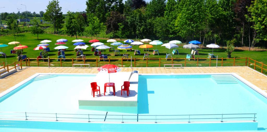 Hotel Belvedere nelle Langhe e Roero - Piscina all'aperto